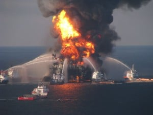Deepwater_Horizon_offshore_drilling_unit_on_fire-300x225.jpg
