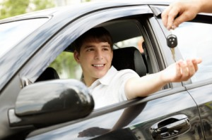 young-male-driver_iStock_000010839839XSmall-300x199.jpg