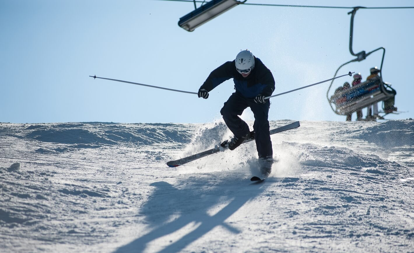 how to avoid ski accidents